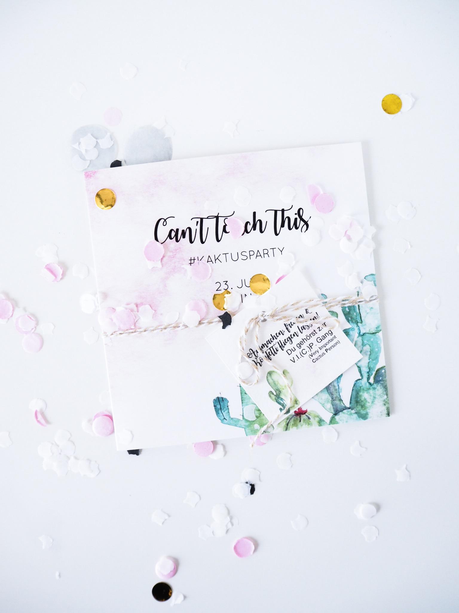Einladung can´t touch this schriftzug, mit Kakteen und rosa goldenem Konfetti